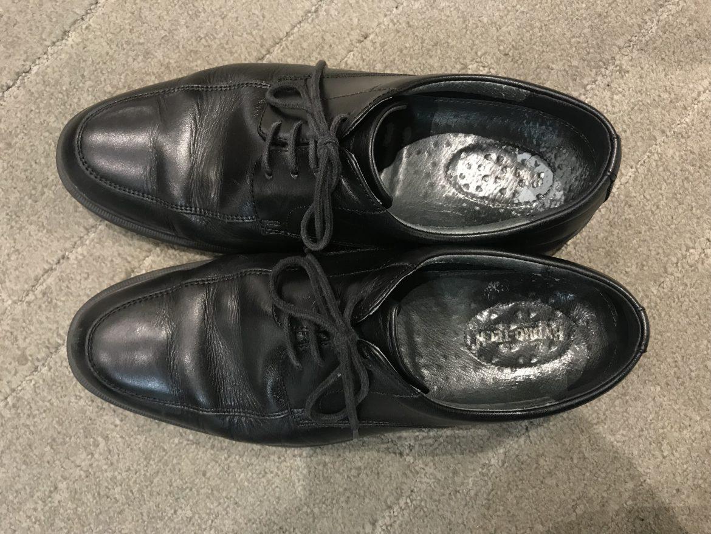 靴を探しています。